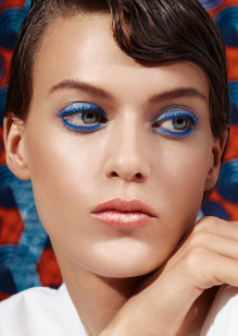 Friseur-Musterstadt-La-Biosthetique-Make-up-Collection-Spring-Summer-2019-Modern-Blue